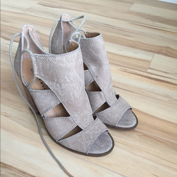 Lucky Brand Shoes - Lucky Brand leather sandals.